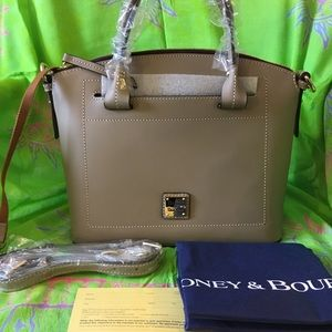 DOONEY AND BOURKE BEACON DOMED SATCHEL/LIGHT TAUPE